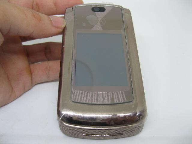 Motorola V9 huyền thoại bật nắp màu Nâu