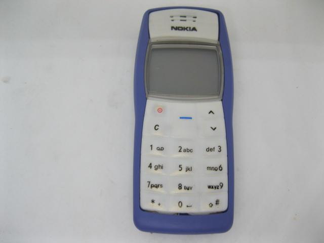 Nokia 1100 lưu danh một thời màu Xanh