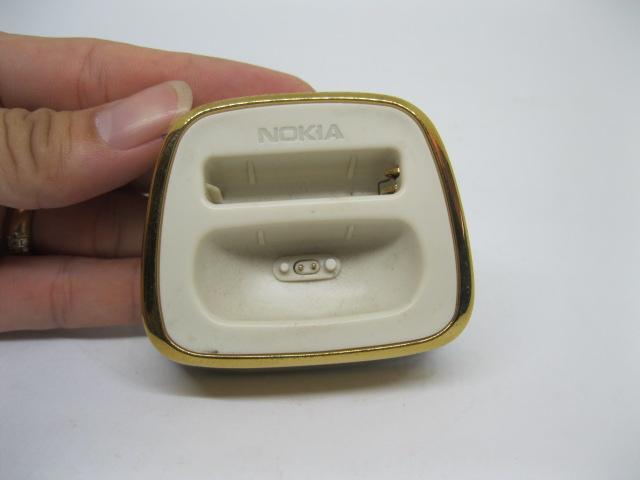 Dock sạc Nokia 8800 Sirocco Gold