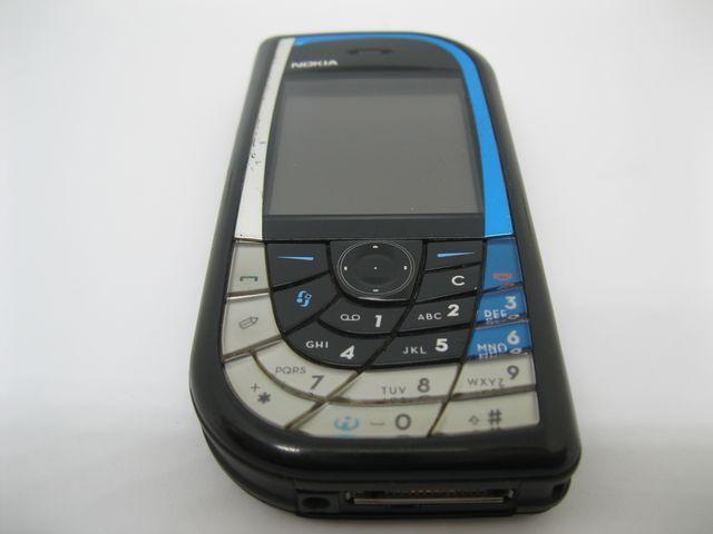 Nokia 7610 quả xoài hình chiếc lá màu Xanh
