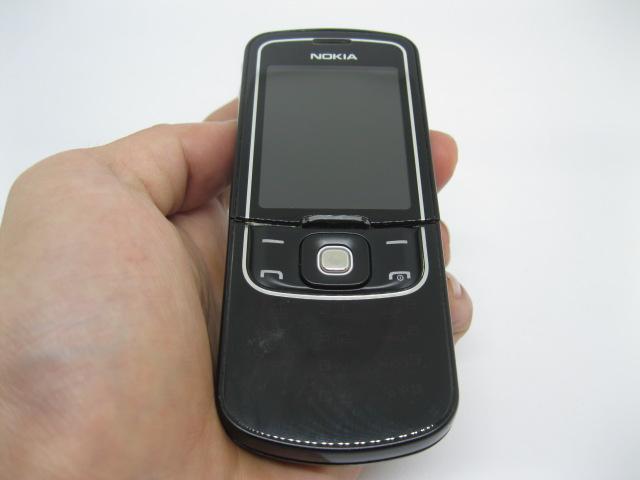 Nokia 8600 Luna nguyên zin, đẹp 90% MS 2099