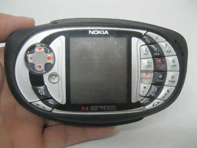 Nokia Ngage QD cổ máy chuyên game của Nokia MS 2128