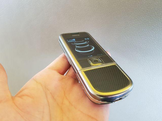 Nokia 8800 Cacbon phím 2 tầng dán keo trong đẹp như mới MS 2151