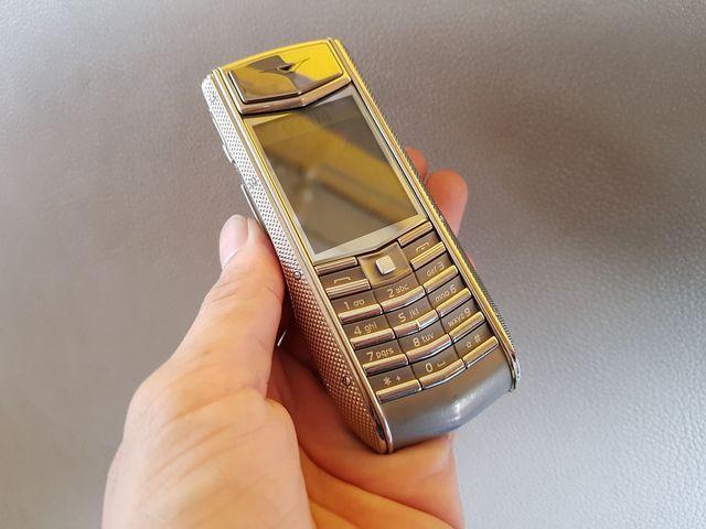 Vertu ascenti knurled Nguyên Bản zin siêu đẹp đẳng cấp phone MS 2153