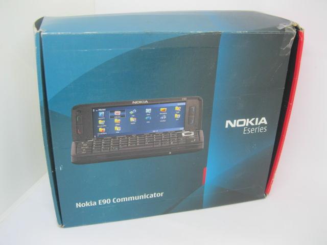 Nokia E90 Fullbox nồi đồng cối đá MS 2176