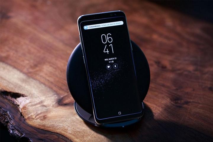 Có nên sạc iPhone qua đêm và sạc Smartphone như thế nào mới đúng cách