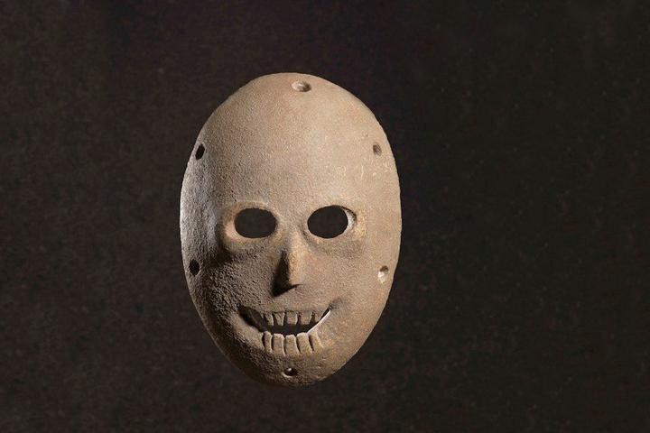 Chiêm ngưỡng những chiếc mặt nạ đá có từ thời đồ đá cách đây 9.000 năm