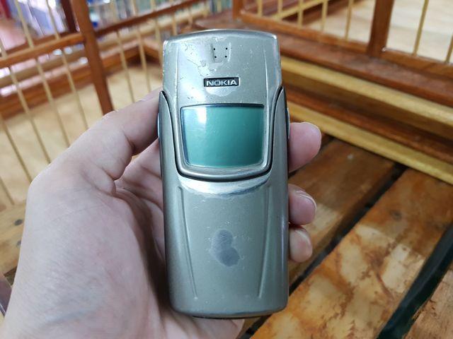 Nokia 8910 Cát Cháy Đẹp 85% nguyên zin sơn zin - MS 2248