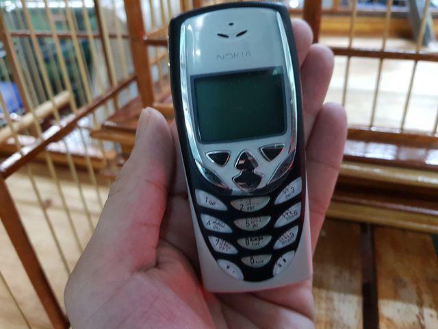 Nokia 8310 màu trắng đen siêu đẹp không tỳ vết - Ms V001