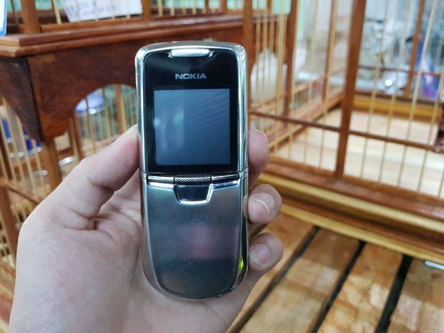 Nokia 8800 Anakin màu bạc đẹp 87% nguyên zin, sườn zin - Ms 2187