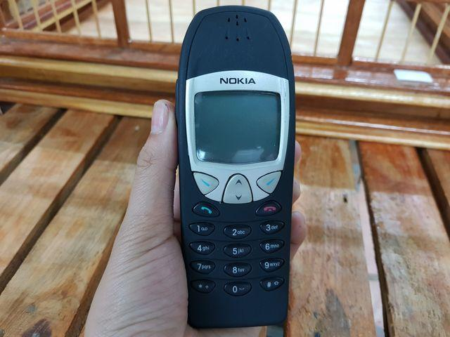 Nokia 6210 màu đen vỏ đã sơn lại nguyên zin đẹp 98% MS 2277