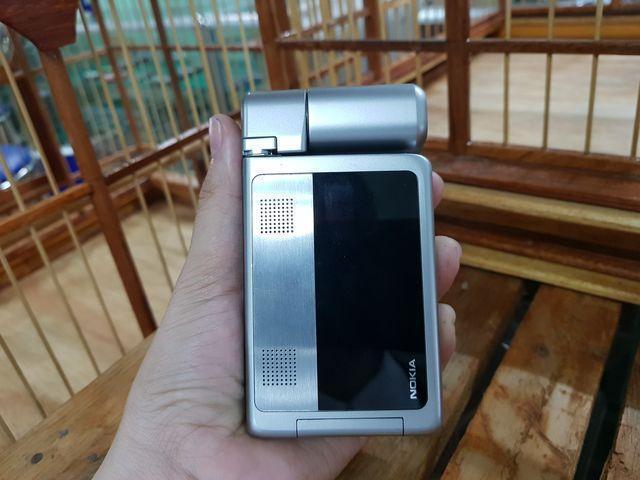 Nokia N92 màu bạc nguyên zin cực độc đẹp 95%  MS 2132