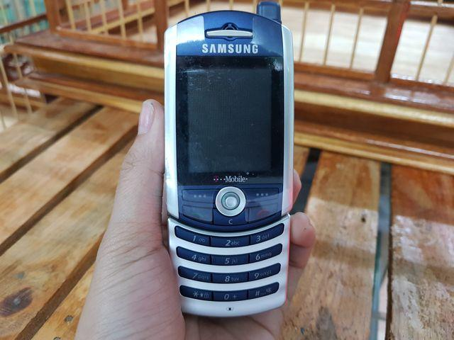 Samsung SGH - Z130 màu xanh viền bạc chính hãng đẹp 99% MS 2205