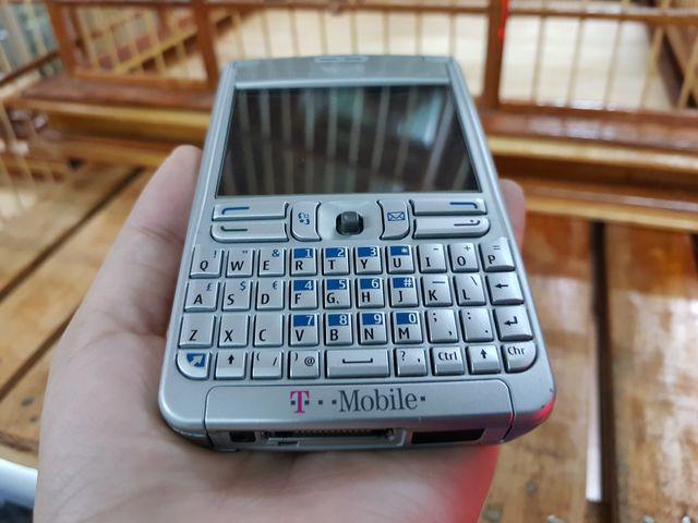 Nokia E61 màu bạc zin đến từng con ốc đẹp 98% - Ms 3009