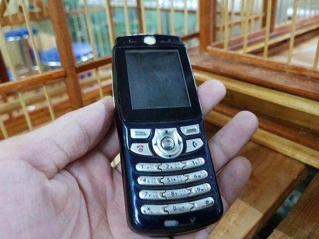 Motorola E365 màu đen khá hiếm đẹp 95% MS 3044