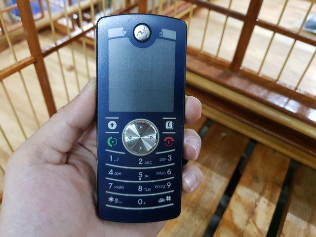 Motorola F3 màu đen nguyên zin chính hãng đẹp 95% MS 3050