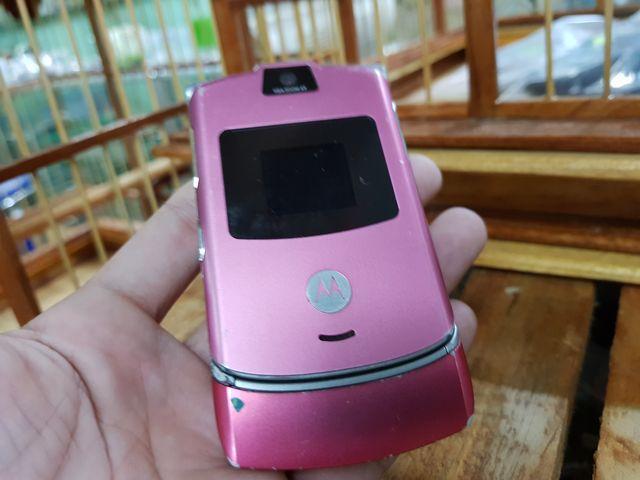 Motorola V3 màu hồng máy sờn theo thời gian đẹp 93% MS 3040