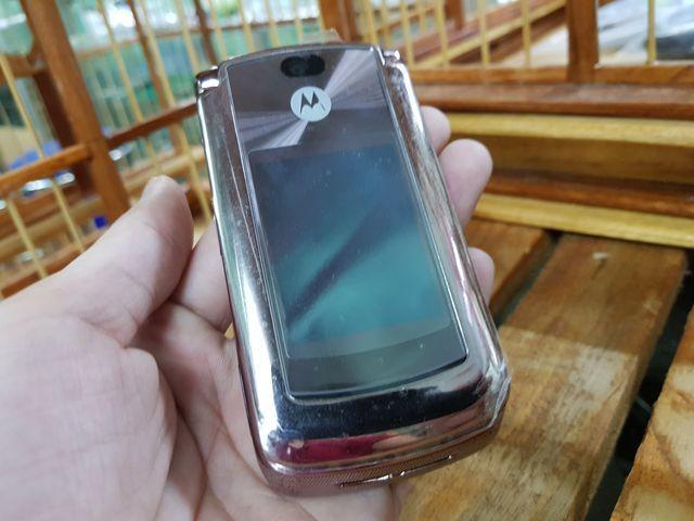 Motorola V9 màu cát đã thay vỏ cực mới đẹp 98% MS 3041