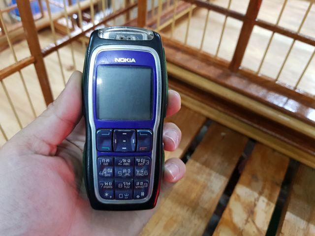 Nokia 3220 màu xanh bàn phím 2 tầng rất độc đẹp 92% MS 3028