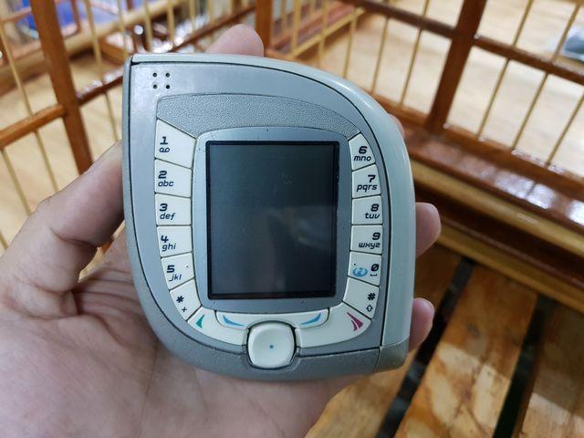 Nokia 7600 màu bạc máy cực độc và nguyên zin đẹp 95% MS 3025
