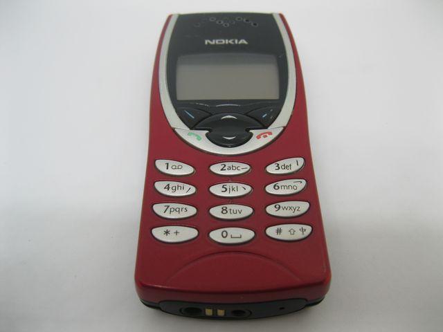 Nokia 8210 màu đỏ nguyên zin chính hãng thay vỏ - Ms V006