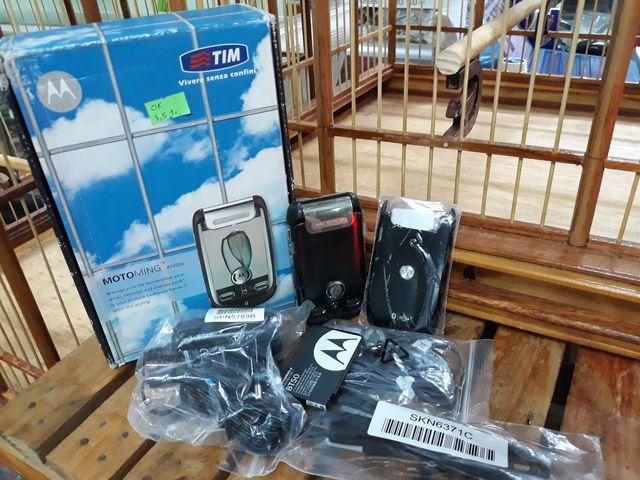Motorola A1200 màu đen bật nắp full box nguyên zin cực độc lạ - Ms 3069