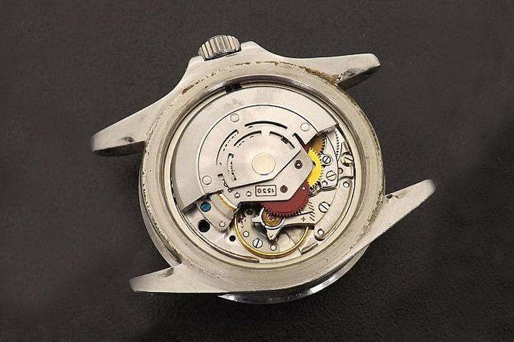 Chiếc đồng hồ Rolex cũ được bán với giá 120.000 bảng Anh và nguyên nhân bí ẩn