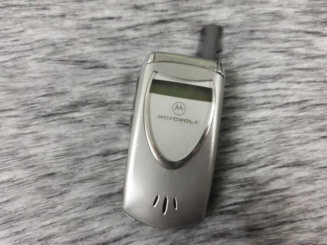 Motorola V60 màu bạc nguyên zin hàng chính hãng đẹp 96% - Ms 3087