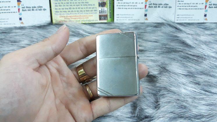Zippo II màu bạc - Ms Q3184
