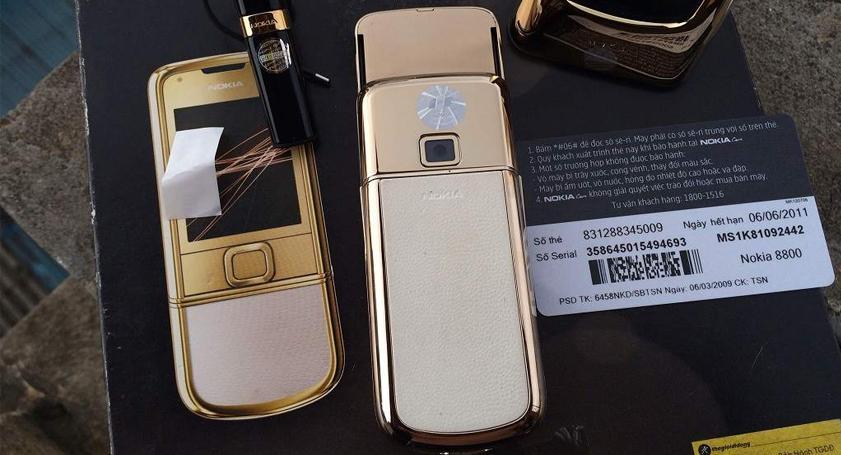 Nokia 8800 Gold Arte thay vỏ