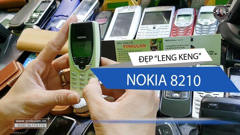 Nokia 8210 màu vàng cực sang chảnh