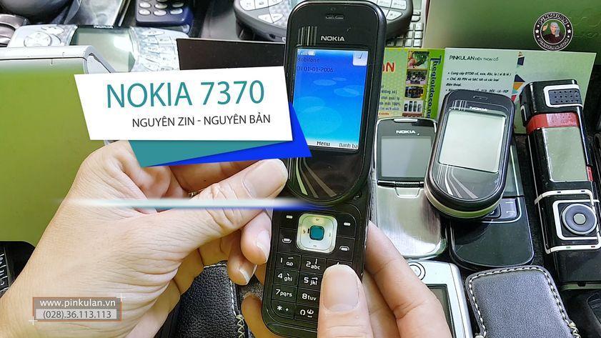 Nokia 7373 chiếc điện thoại xoay thời trang