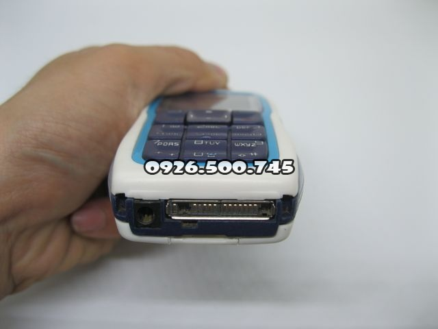 Nokia-3220-2_3.jpg