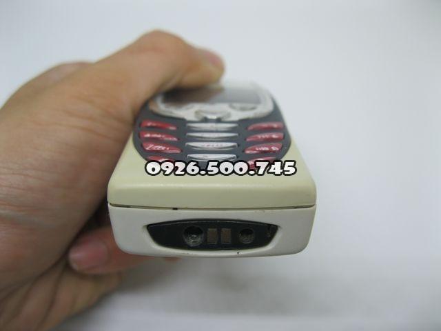 Nokia-8310_3.jpg