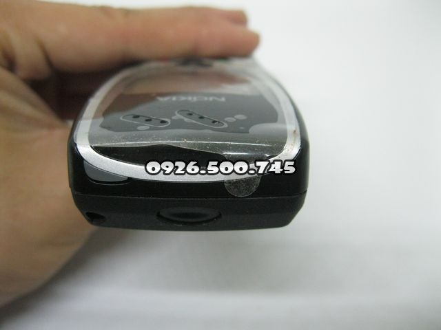 Nokia-8210-3_4.jpg