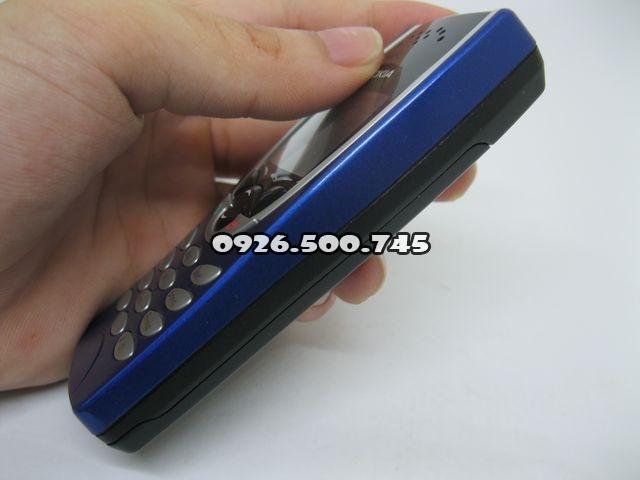 Nokia-8210-Xanh_38.jpg