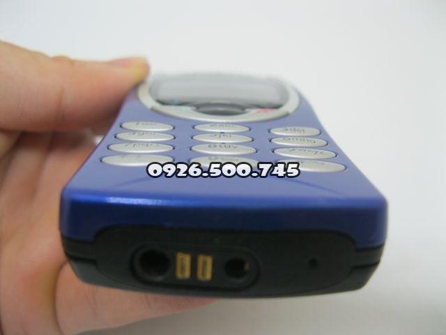 Nokia-8210-Xanh_40.jpg