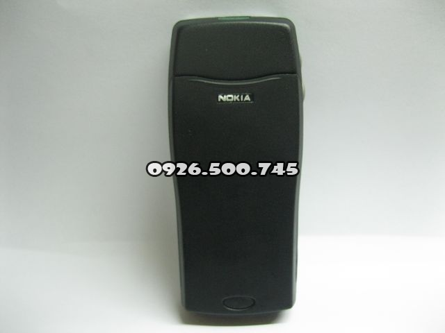Nokia-8210_28A7a.jpg