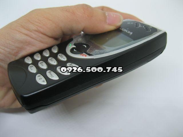Nokia-8210-Den_5.jpg