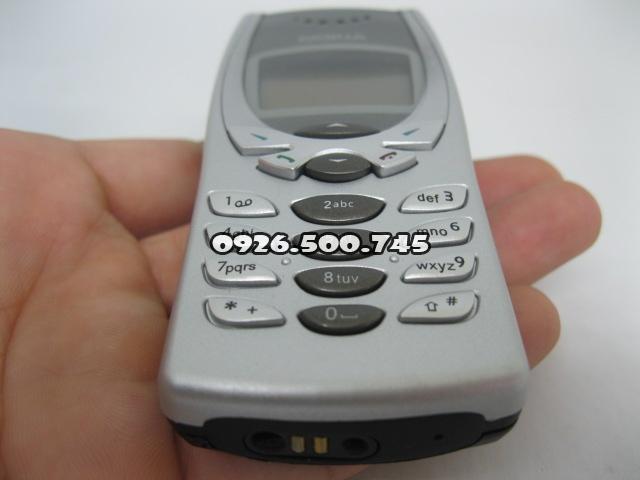 Nokia-8250-Bac_1.jpg