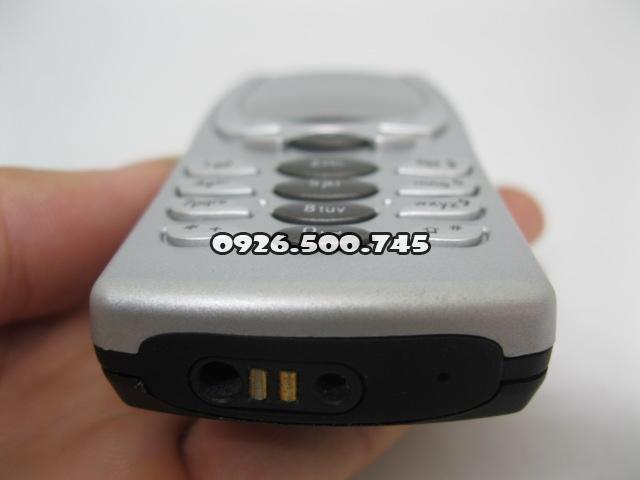 Nokia-8250-Bac_6.jpg