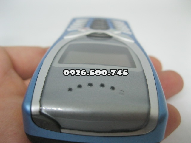 Nokia-8250-Xanh-da-troi_10.jpg