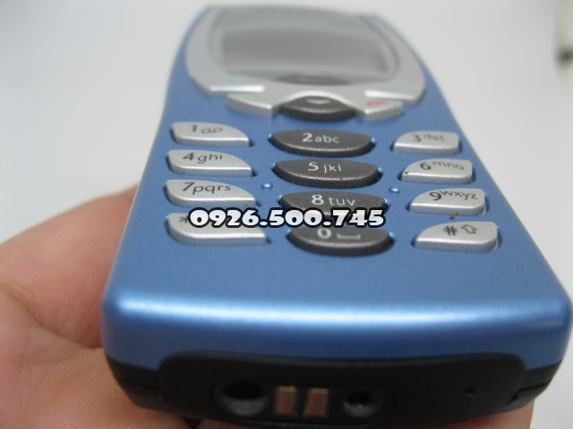 Nokia-8250-Xanh-da-troi_17.jpg