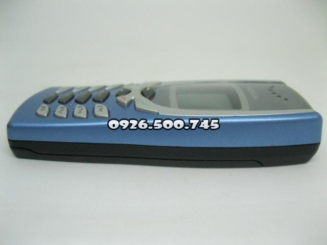 Nokia-8250-Xanh-da-troi_5.jpg