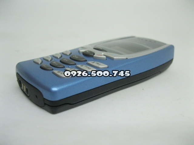 Nokia-8250-Xanh-da-troi_7.jpg