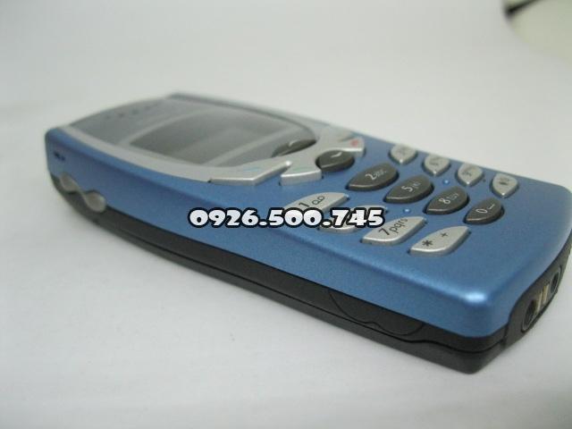 Nokia-8250-Xanh-da-troi_8.jpg