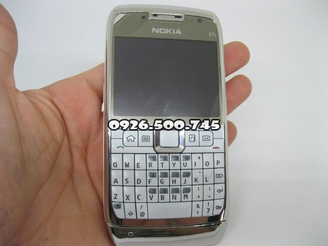 Nokia-E71-Trang_4.jpg