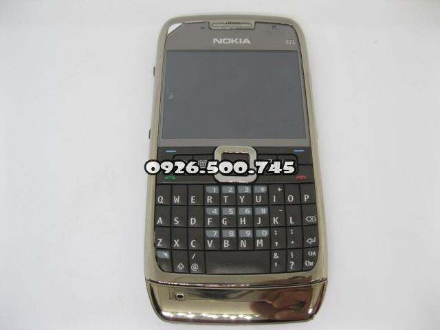 Nokia-E71-Nau_1.jpg
