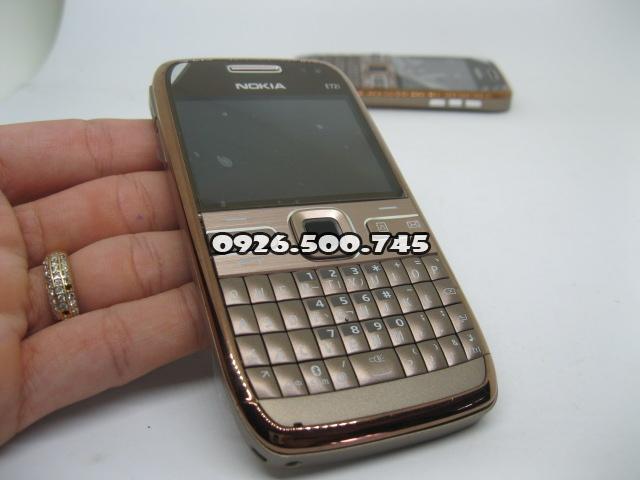 Nokia-E72-Socola-cafe_1.jpg