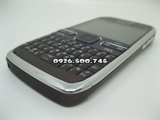 Nokia-E72_3.jpg